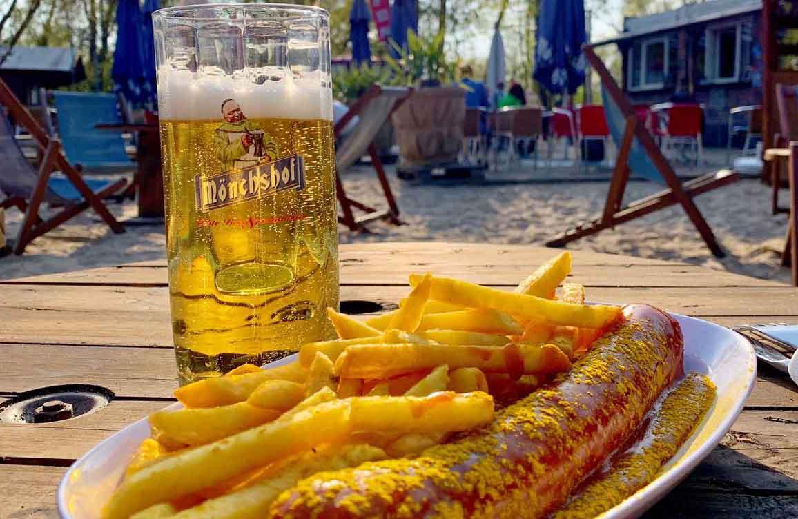 Currywurst und Bier - kleineres Format